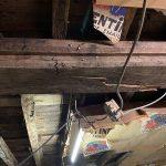 Défaillance structurelle sur plancher bois.
